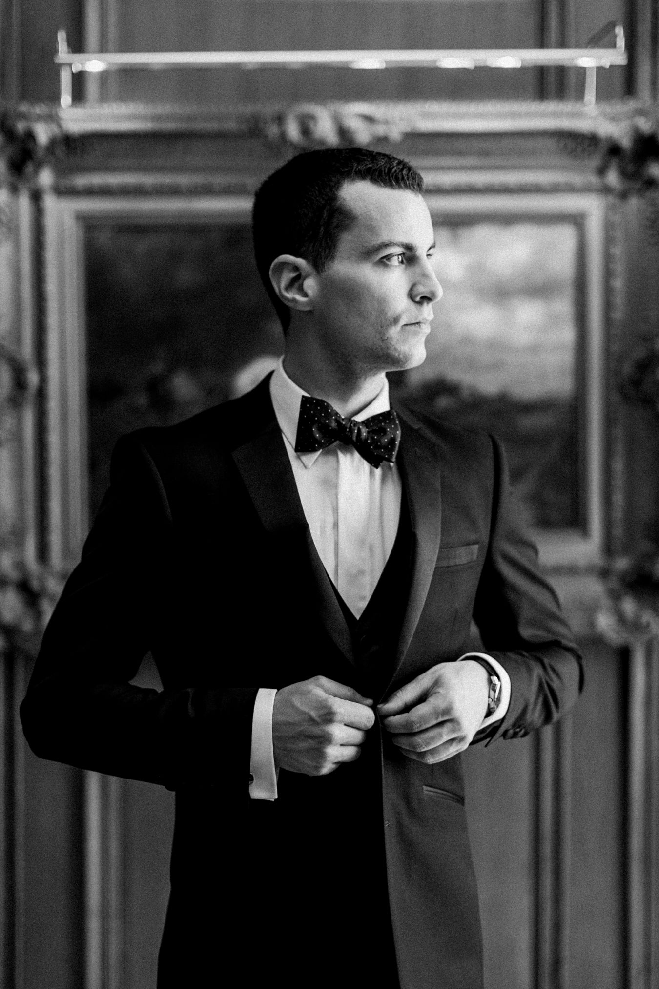 Stylish Groom | Detroit Athletic Club Wedding | Cory Weber Photography